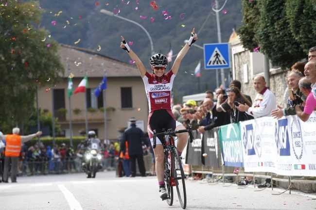 Francesca Barale vince per distacco al Ghisallo
