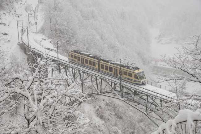 Viaggi invernali con i treni panoramici della Ferrovia Vigezzina Centovalli ph. Massimo Pedrazzini