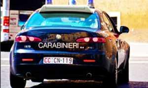 b carabinieri auto dietro
