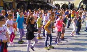 b giornata bambini piazza mercato