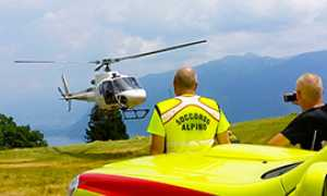 b soccorso elicottero bianco decollo