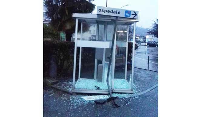 cabina telefono ospedale domo