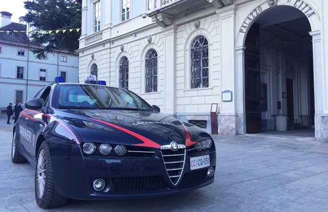 carabinieri comune auto domo