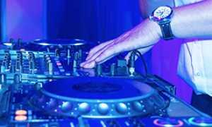 corta dj piatti mixer