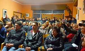 corta montescheno riunione migranti