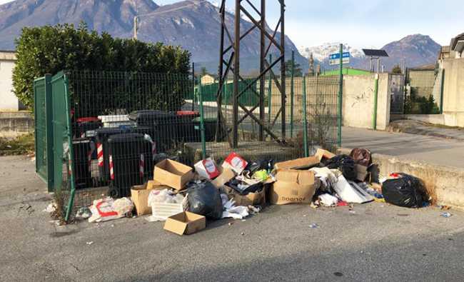 discarica rifiuti nosere
