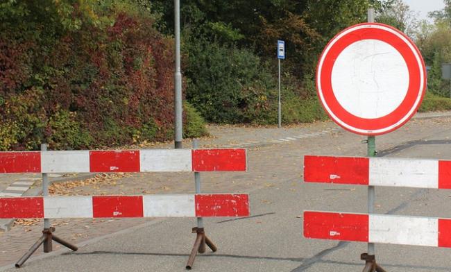 divieto strada chiusa