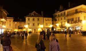 piazza mercato notte