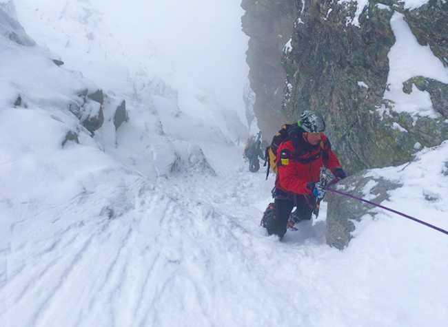 soccorso neve cordata canalone salita
