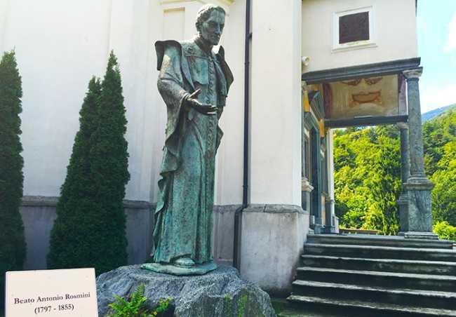 statua rosmini calvario