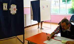 b seggio cabina elezioni