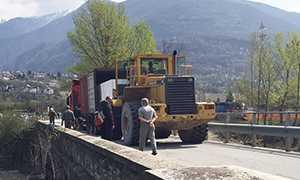 corta camion bloccato