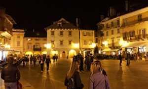 corta piazza mercato notte