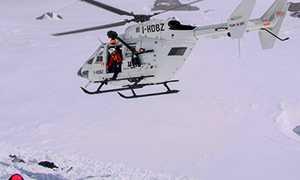 corto elicottero soccorso alpino neve