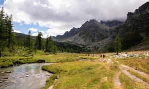 montagna panorama sentiero escursione